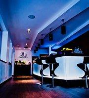 Hemingway Cocktail Restaurant