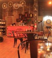 Brothers Garage Restaurant
