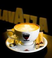Barista Cafe Aroma Unawatuna