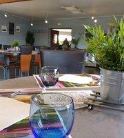 Le Hangar Cafe
