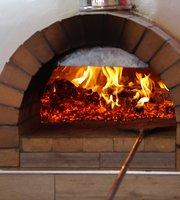Lo Scugnizzo Ristorante Italiano, BBQ & Pizzeria