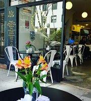 Le Cuev Bar Cafe