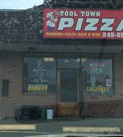 ‪Tool Town Pizza‬