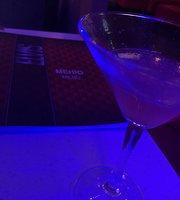 Elvis Karaoke Bar