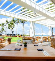 Sandbar & Dining Terrace