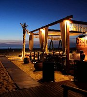OSHUA Beach Lounge