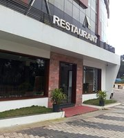 Royal Crown Hotel & Restaurant