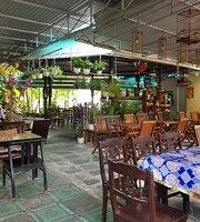Cafe Han Thuyen