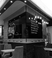 Tanjas Cafe & Deli