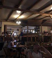 Crusoes Pub Cafe