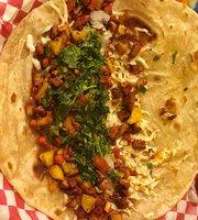 Tacos y Tortas El Gallo