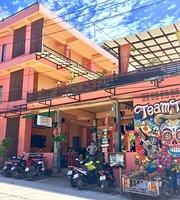 Taco Shack Hostel and Restaurant