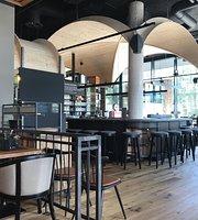 Roasthaus - Restaurant & Bar
