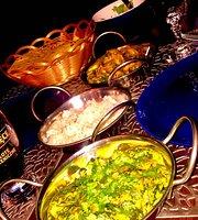 Qurcze & Curry