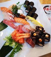 Mozi Standing Sushi & Dumpling Bar