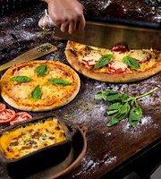 La Esquina Artesanal Pizzería - Trattoria