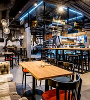 Stadionova Pub and Cocktail Bar