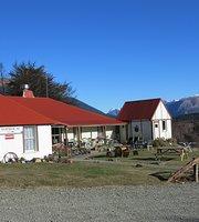 Tophouse Inn