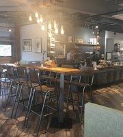Explorer Cafe