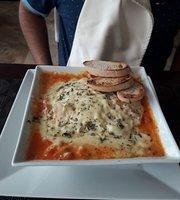 Deja Vu Restaurant & Lounge