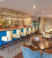 Arnold's Restaurant & Bar