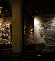 Dram Whisky Explorers Bar