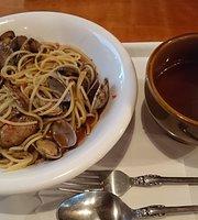 Cafe Akatombo