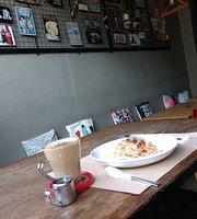 Estrella's Kitchen & Cafe