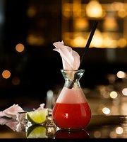 Juliet Rose Bar