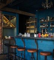 Realist Bar