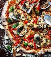 Pizza Pazza Phra Arthit