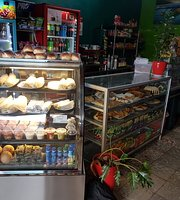 El Bus Cafe & Snacks