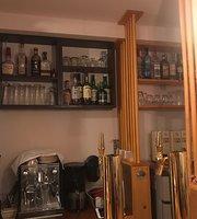 Roo  Cafe & Bar