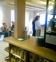 Badhaus Cafe und Laden