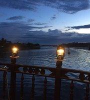 Floating Boat Hoi An Bar & Restaurrant