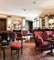 Le Bar - La Réserve Paris Hotel and Spa