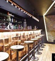 The Metropolitan Cocktail Bar