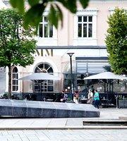 MM Cafe & Bar