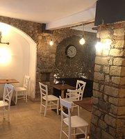 Prassede Cafe & Bistro