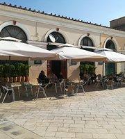 Salvanos Cafe