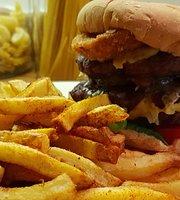 SmoQue Burger