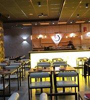 Yuna Fusion Restaurant - Sushi