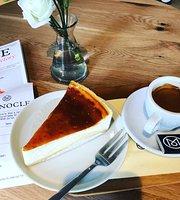 Monocle Shop & Cafe