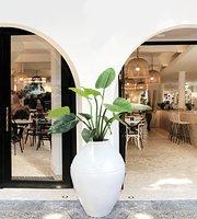 Jo-Jo's Restaurant + Bar
