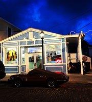 Henry and Eli's Side Street Pub