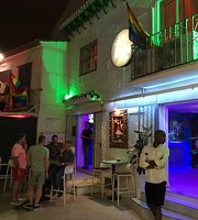 Bars and Nightlife by category: