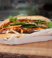 La Ca Banh Mi & Roll - Vietnamese Sandwich