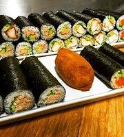 Freewave Sushi & Burgers