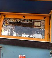 Mango Tropical Cafe'