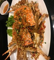 TongTong Seafood & Chicken rice